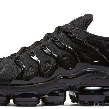 DCCK Nike Vapormax Plus Triple Black
