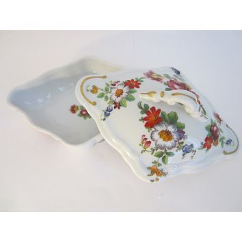 Romance Limoges France Porcelain Box Decorated Flowers Marked