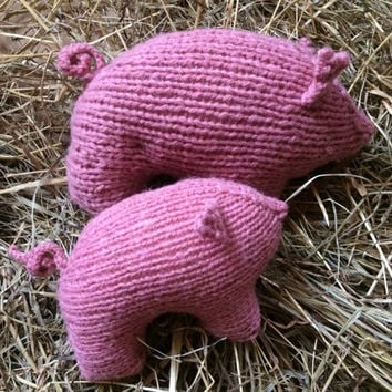Hand Knit Pink Mother and Baby Pig - Waldorf Toy Pig - Farm Animals - Natural Toys - Baby Shower Gift - Pretend Play Toy - Birthday Gift
