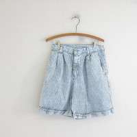 Vintage 80s blue jean shorts. blue and white striped denim shorts. high waisted shorts.