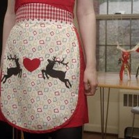 Kitschy Retro Christmas Reindeer Apron by flappergirl on Etsy