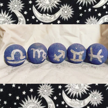 One Zodiac Sparkle bath bomb! Glittery, hand painted, no stain on skin or tub bath bomb!