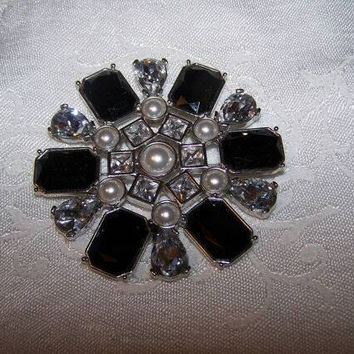 Black and clear rhinestone brooch with faux pearls