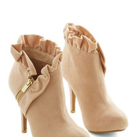 ModCloth Luxe You Haute to Know Heel in Peach