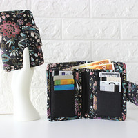 Floral fabric wallet for women - card holder wallet - cash and coin ladies wallet - vegan bifold wallet - billfold wallet with zipper pocket