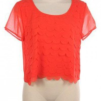SCALLOPED TIER TOP
