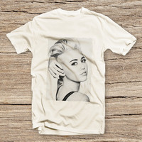 PTS-077 Miley Cyrus Wrecking Ball Printed T-shirt, Miley Cyrus Shirt, Miley Cyrus Clothing, Fashion Shirt