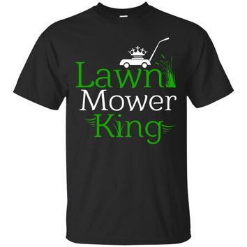 Men's Law Mower King Funny Dad Mowing Grass T-Shirt