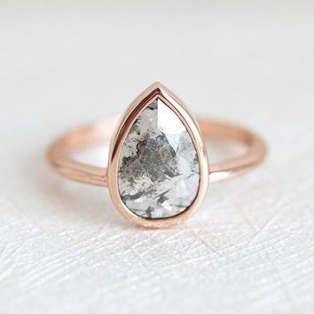 Salt and Pepper Diamond Ring, Grey Rose Cut Diamond Ring, Pear Diamond Ring, Rose Gold Engagement Ring with Pear Cut Diamond, 14k rose gold
