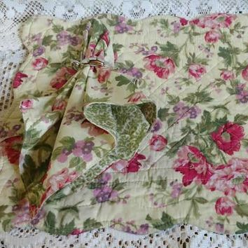 Floral Medley Quilted Placemat and Matching Napkin