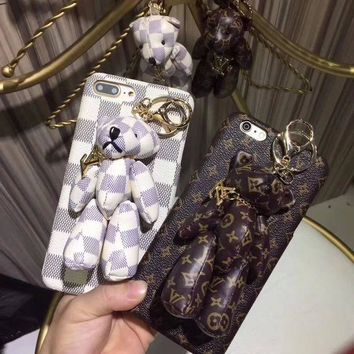 ONETOW Louis Vuitton Bear PU Mobile Phone Shell iPhone Phone Cover Case For iphone 8 8plus iPhone6 6s 6plus 6s-plus iPhone 7 7plus