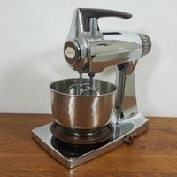 Vintage Chrome Sunbeam Mixmaster 12 Speed Stand Mixer With Beaters And One Bowl