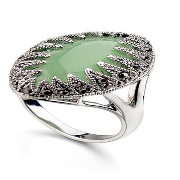 Classic Vintage Pattern Green Austrian Crystal Ring (8)