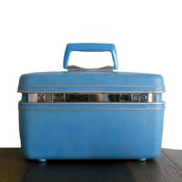 Samsonite Train Case Vintage Blue Suitcase Beauty Cosmetic  Luggage with Polka Dot Lining