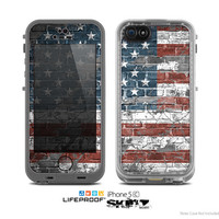 The Vintage USA Flag Skin for the Apple iPhone 5c LifeProof Case