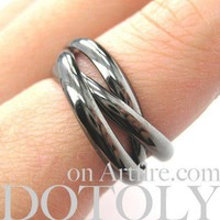 Classic Three Connected Rings Linked into One in Gunmetal Silver   Sizes 6 to 9 Available
