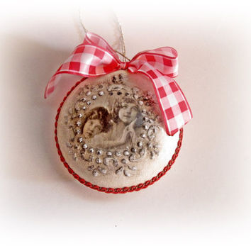 Christmas Ornament. Shabby Chic Christmas Ornament. Flat Ornament. Christmas Tree. Santa Claus. Vintage Christmas. Christmas Decorations.