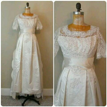 Vintage Beaded Satin 1950s Wedding Gown with Detachable Train,Lace Bridal Gown,1950s Wedding Dress,XS 1950s Satin Gown,Ivory Satin Gown, XS