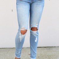 Distressed Lightwash Skinnies