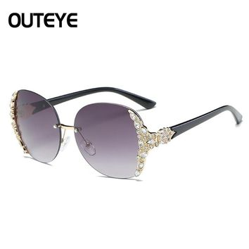 Luxury Rhinestone Clear Sunglasses Brand Designer Oversized Sun Glasses For Women 2017 Vintage Rimless Cat Eye Sunglass Eyewear