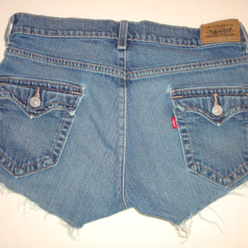 LEVI'S FLAP frayed hem back pockets women denim jeans shorts size 4