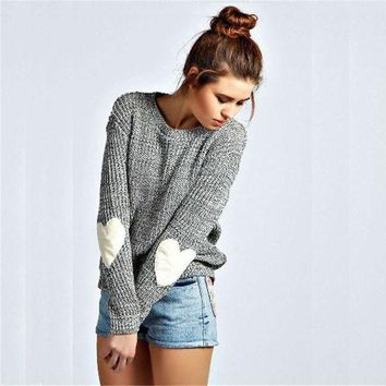DCCK7XP Gray Heart Print Elbow Knitted Sweater