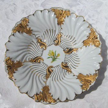 Meissen Gold on White Cattails and Waves Oyster Shell Porcelain Cabinet Bowl Plate Second Choice - Germany
