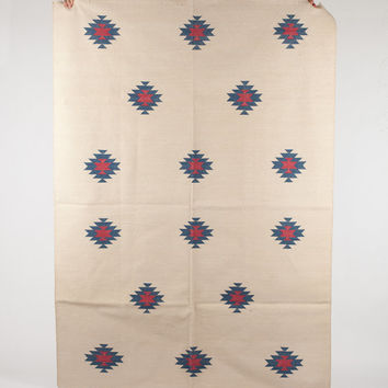 Area rug in Simple Pattern in white in 4x6