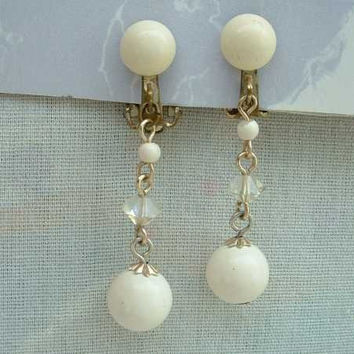 JAPAN White Bead Dangle Clip On Earrings Vintage Jewelry