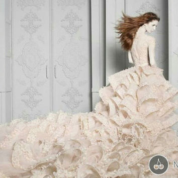 Luxury embroidery lace Michael Cinco copy wedding dress with royal petals train