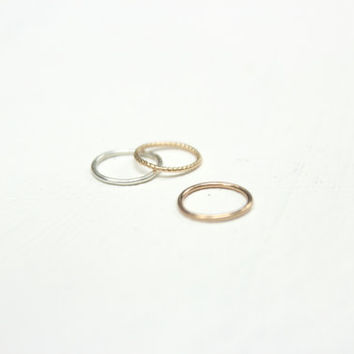 cartilage ring. simple cartilage piercing. comfortable cartilage hoop. small sleeper. 14k gold filled/sterling silver.