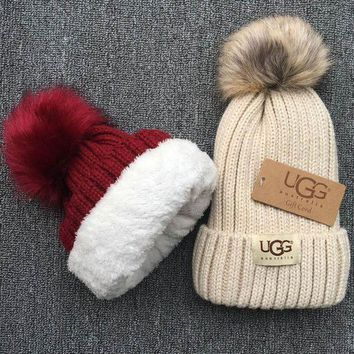 ONETOW UGG Knit And Pom Hat Cap Beige I