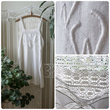 Antique 1930's handmade white Cotton Crocheted Nightie // Nightdress with Lace. Hand embroidered Initials
