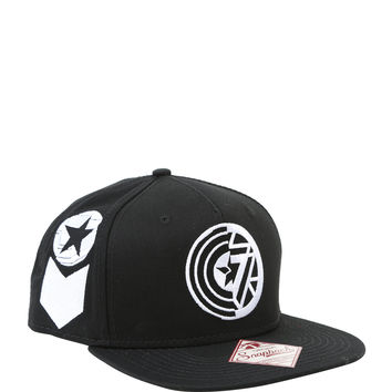 Marvel Captain America: Civil War Captain America VS Iron Man Black & White Logo Snapback Hat