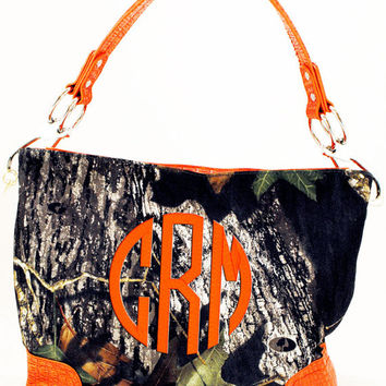 Monogrammed MOSSY OAK Camo Purse Handbag with Orange Trim  Font shown NATURAL Circle in orange
