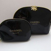 CHANEL BEAUTE Snowflake Zipper Cosmetic Bag / Makeup Pouch (2pcs Set) *New with Defects*
