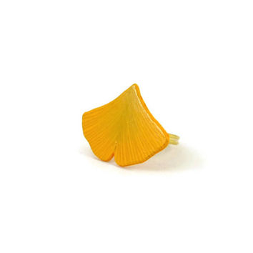 Eco-friendly yellow ginkgo leaf adjustable ring, fall fancy ring, nature fashion ring, woodland painted plastic ring (recycled CD)