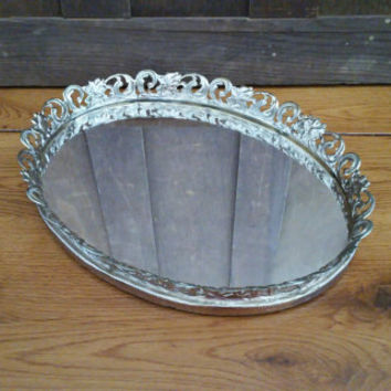 Vintage Ornate Gold Toned Oval Hollywood Regency Style Mirrored Dresser Vanity Tray