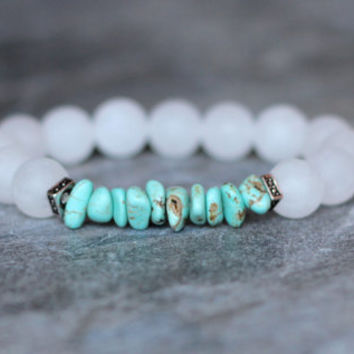women bracelet beach boho bracelet mothers gift for her white bracelet turquoise birthday gift free bracelet gemstone jewelry small chips