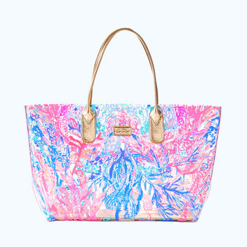 Breezy Tote | 25717-clearaquadesiacpvctote | Lilly Pulitzer