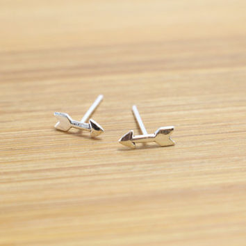 Tiny Arrow Stud Sterling Silver Earrings, Love Arrow Stud, Arrow Cartilage Stud, Sterling Silver tiny stud earrings, Everyday jewelry