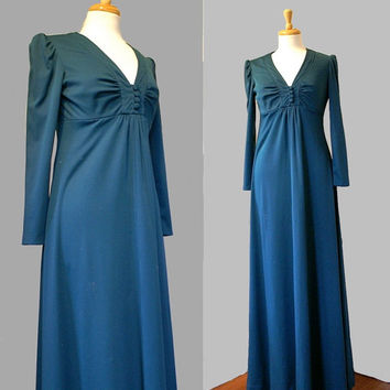 Vintage 70s Dress / Polyester Maxi Dress / Granny Style Dress / Retro Boho Hippie / Fall Winter / 70s Fashion