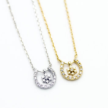 Horseshoe snowflake necklace