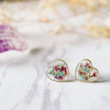 Real Pressed Flowers and Resin Heart Stud Earrings in Mint Magenta White