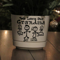 Personalized Flower Pot for Grandma, Grandpa, Mom, Dad, Great Grandma, Great Grandpa or any title.