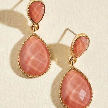 Turn a Droplet Earrings in Coral | Mod Retro Vintage Earrings | ModCloth.com