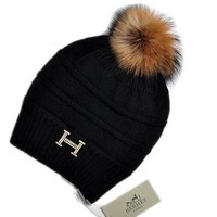 Hermes New fashion Diamond Hairball knit cap Black