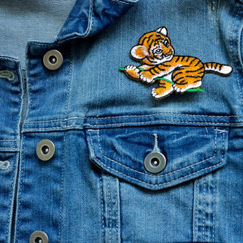 BABY TIGER Cat Jungle Animal Toddler Girl Boy Sew or Iron on Patch Badge Transfer Pin Kids Children Cartoon Applique Craft Rockabilly Motif