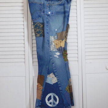 Levi 505 Denim Bell Bottom Patch Jean Peace Sign Hippie Clothes Boyfriend Upcycle Clothing Ditty Jean Stash Pocket Patchwork Pant Back Patch