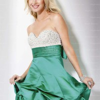 A-line Sweetheart Emerald Crystal Ruched Satin Short/Mini Party Dress at Millybridal.com